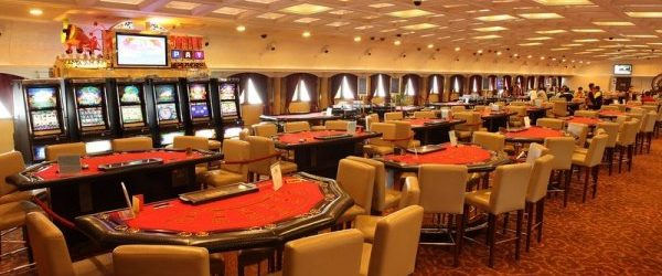 What Makes Online Casino Games?